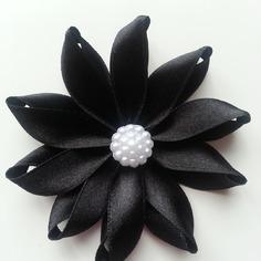 Fleur de satin  7,5cm noire