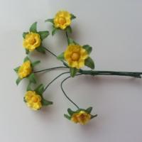 Decoration florale lot de 6 fleurs en tissu jaune sur 9105619 decoration flor3218 9e7b7 236x236