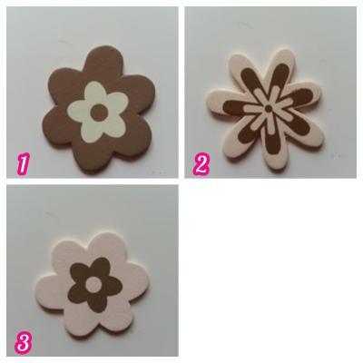 Fleur en bois marron et ivoire 40mm