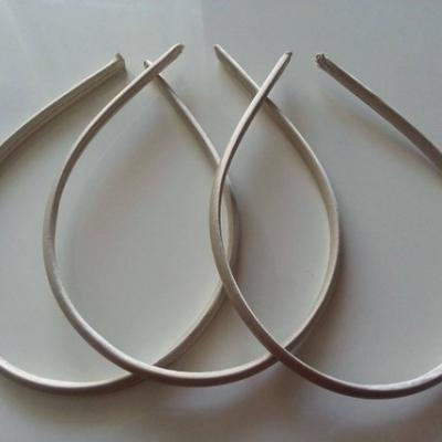 Serre tête recouvert de satin 7mm ivoire