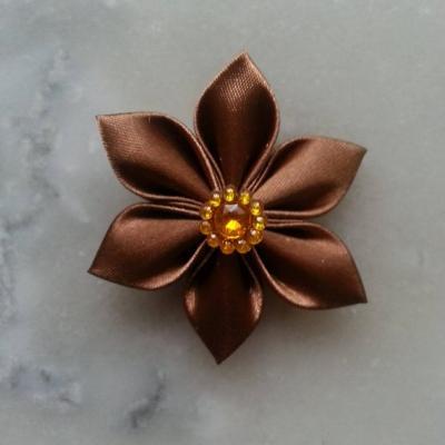 Fleur satin  5cm marron