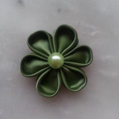 Fleur de satin 5 cm pétales ronds vert kaki