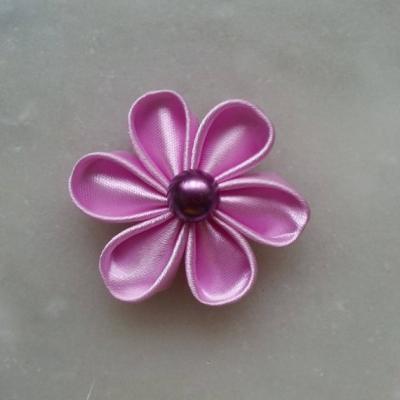 Fleur de satin 5 cm pétales ronds parme