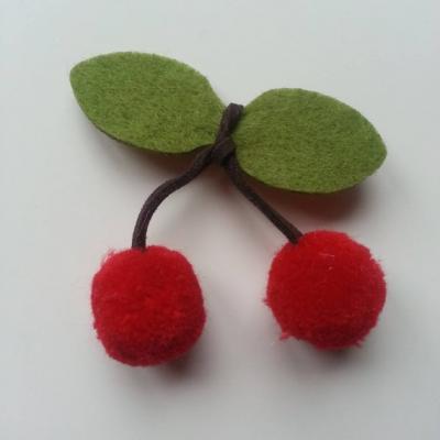 paire de cerise en feutrine et pompon rouge  (taille des pompons 2cm)