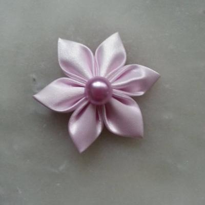 Fleur satin unie  5cm pétales pointus parme clair