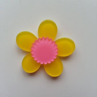 fleur en plastique  36mm jaune et rose