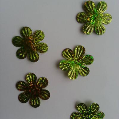Lot de 5 sequins fleurs 35mm  à reflets vert