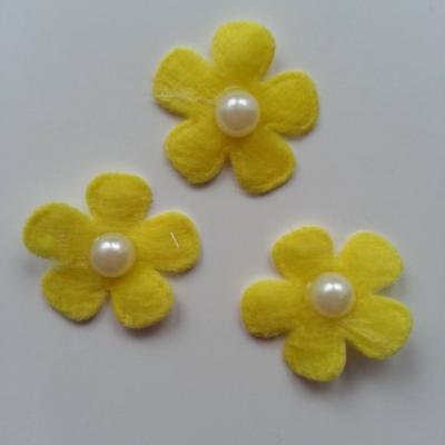 Lot de 3 fleurs perlée en feutrine  25mm jaune