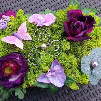 composition fleurs centre de table  dans les tons prune 30*20cm
