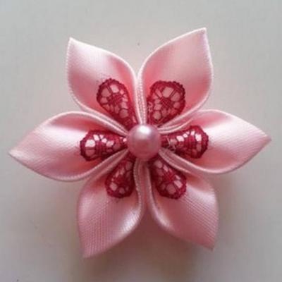 Fleur satin rose et dentelle bordeaux 5cm