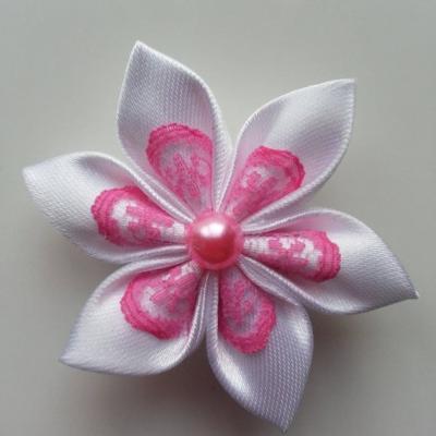 Fleur satin blanche et dentelle rose 5cm