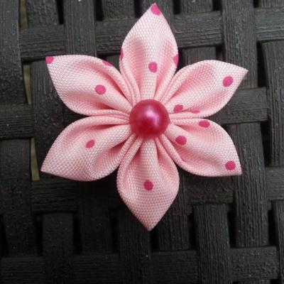 4 cm fleur rose à pois  pétales pointus