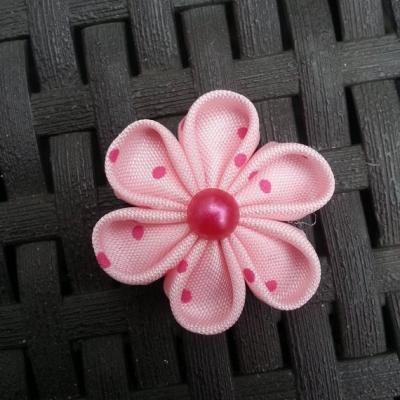 4 cm fleur rose à pois  pétales ronds