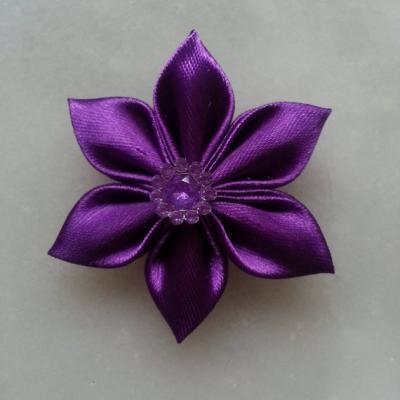 Fleur satin unie  5cm pétales pointus violet