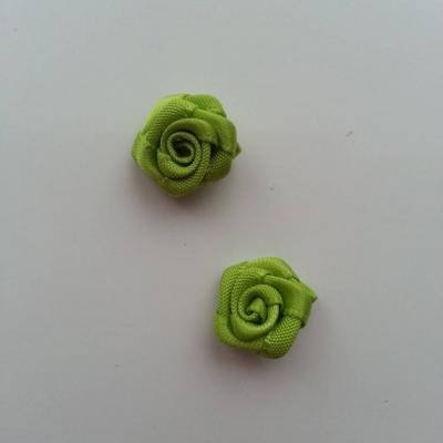 Lot de 2  minis roses en satin 10 à 15mm vert
