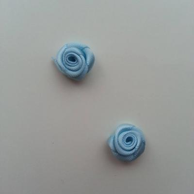 Lot de 2  minis roses en satin 10 à 15mm bleu ciel
