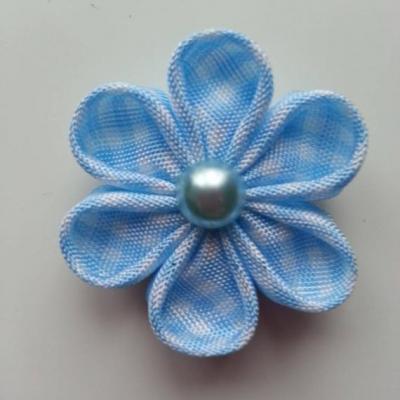 fleur tissu à carreaux blanc et bleu ciel  4 cm  petales ronds