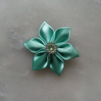 Fleur satin   5cm vert pastel
