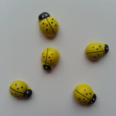 Lot de 5 coccinelles en bois  12x8mm jaune