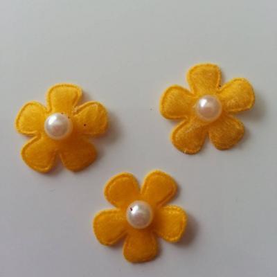 Lot de 3 fleurs perlée en feutrine  25mm jaune orangé