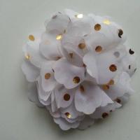 fleur en mousseline à pois doré blanc 10cm