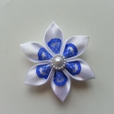 Fleur satin blanche et dentelle bleu royal  5cm