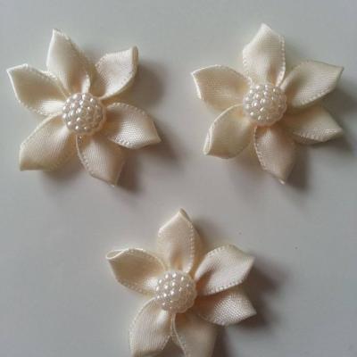 Lot de 3 appliques ruban  fleur  avec centre 35mm ivoire