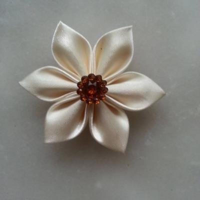 Fleur satin  5cm ivoire