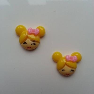 Lot de 2   tête de petite fille 20*18mm jaune