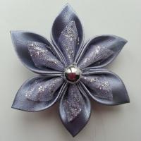 Fleur satin gris et organza pailleté  blanc 5cm