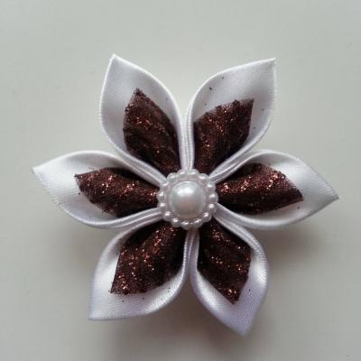Fleur satin blanche et organza pailleté marron  5cm