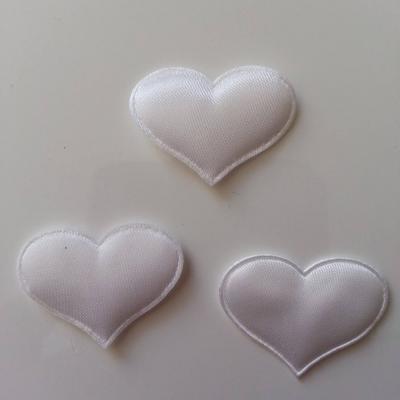 Lot de 3  coeurs satin 30*25mm blanc