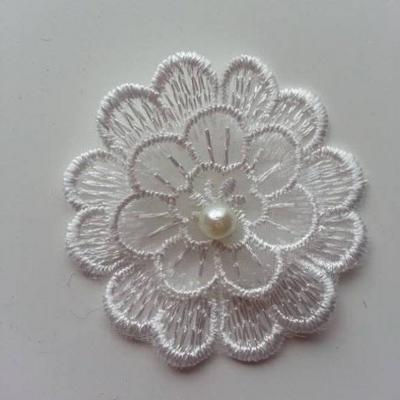 Double fleur en dentelle blanche et perle    50mm (1)