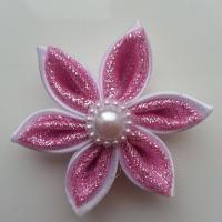 Fleur double satin blanche et tissu pailleté rose  5cm