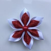 Fleur satin blanche et organza pailleté rouge et argent  5cm
