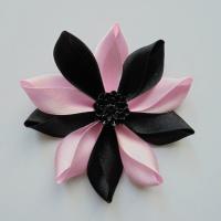 Fleur de satin bicolore 7,5cm noir et rose