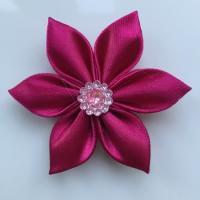 Fleur satin unie rose fuchsia  5cm pétales pointus