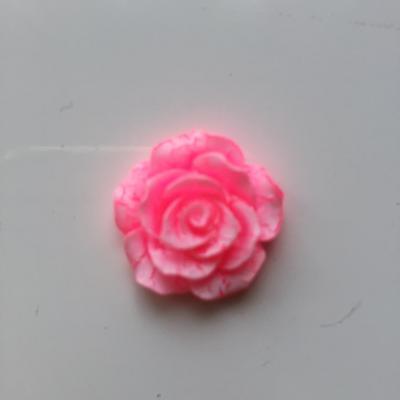 rose en résine 20mm rose et  blanche