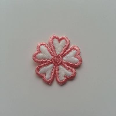 Fleur en dentelle bicolore  30mm blanc et rose saumon
