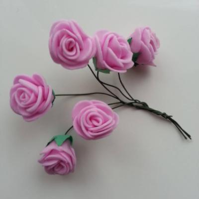 Lot de 6 roses  en mousse  2.5cm sur tige rose