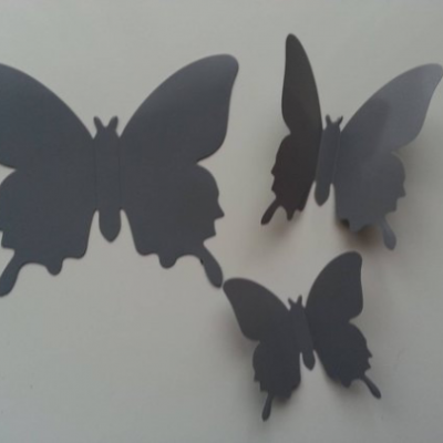 Grand papillon  3D en plastique 11 *9.5 cm gris