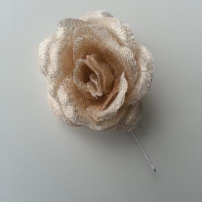rose artificielle en tissu dorée , or  de 50mm sur tige