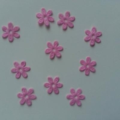 Lot de 10  fleurs  en feutrine 15 mm rose