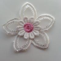 Double fleur en dentelle   50mm blanche et rose