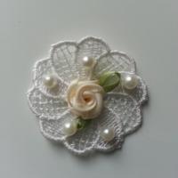 fleur en dentelle perlée et sa mini fleur ivoire 45mm