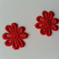 Lot de 2 fleurs en dentelle   30mm rouge