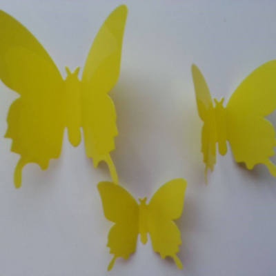 Grand papillon  3D en plastique 11 *9.5 cm jaune