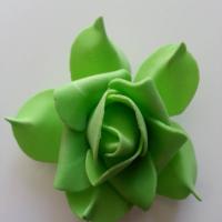 tête de rose en mousse  70mm vert fonce