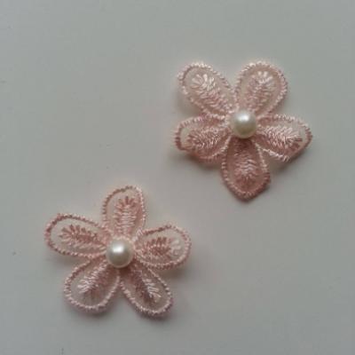 Lot de 2 fleurs en dentelle  30mm peche clair