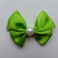 Noeud en satin  et demi perle blanche 42*55mm vert